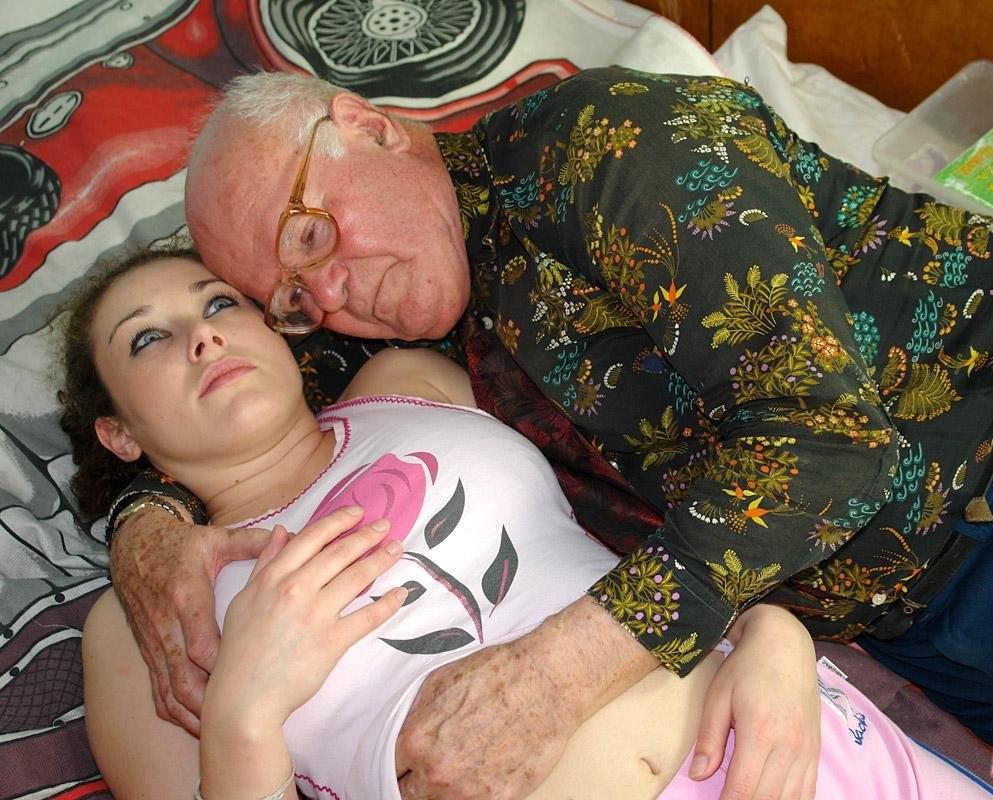 old-man-sucking-boobs-of-girls-narnia-porn-nude