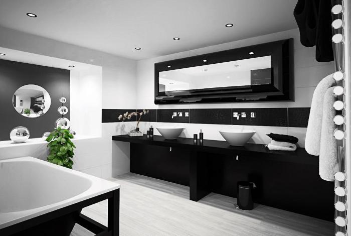 Классическое сочетание чёрного и белого – прекрасный вариант для ванной комнаты.