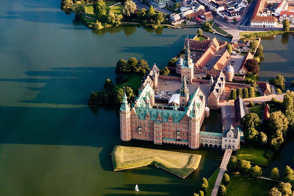 Родина сказок - замок Фредериксборг, Дания