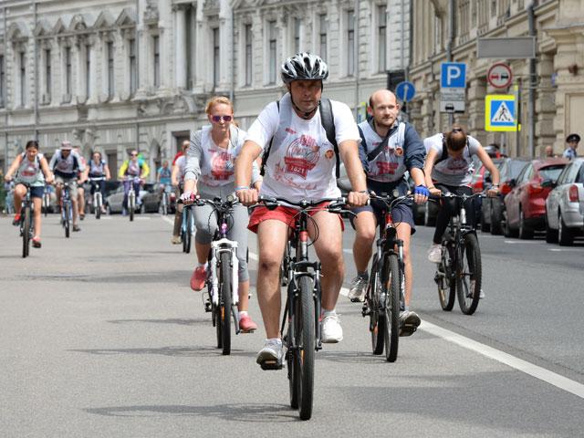 Больше трех не покататься: В правительстве РФ поддержали идею приравнять велосипедистов к митингующим