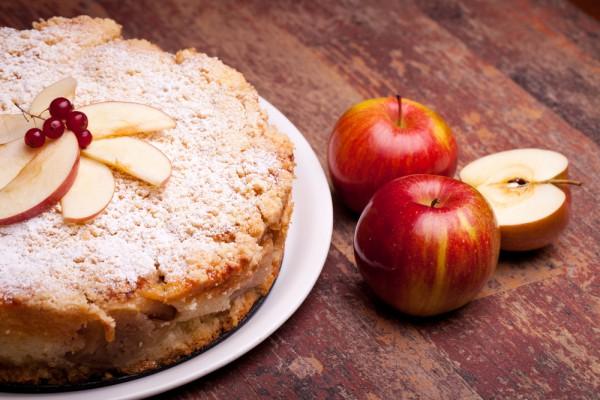 Пирог с яблоками: ТОП-5 реце…