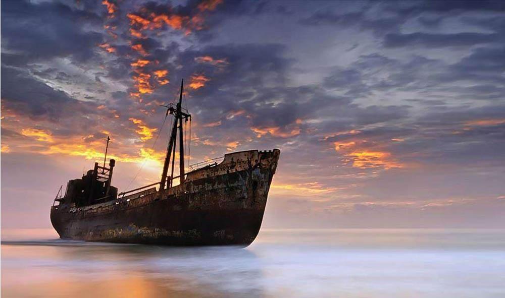 20-ships-which-were-forgotten-by-humans-artnaz-com-12
