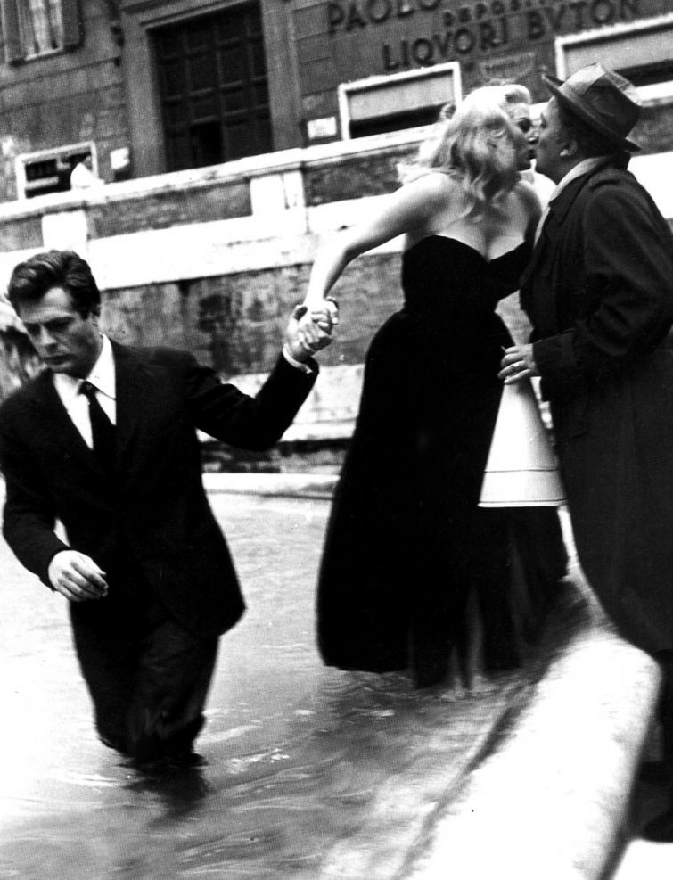 Марчелло Мастрояни, Федерико Феллини и Анита Экберг, 1960 г. история, картинки, фото