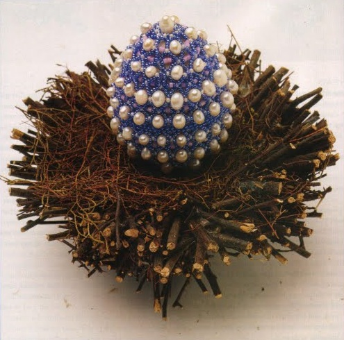 Бисероплетение - оплетаем пасхальное яйцо