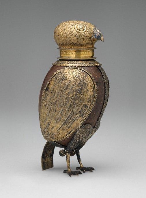 Кубок в виде совы из скорлупы кокосового ореха