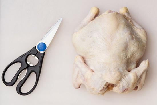 Как разделать курицу при пом…