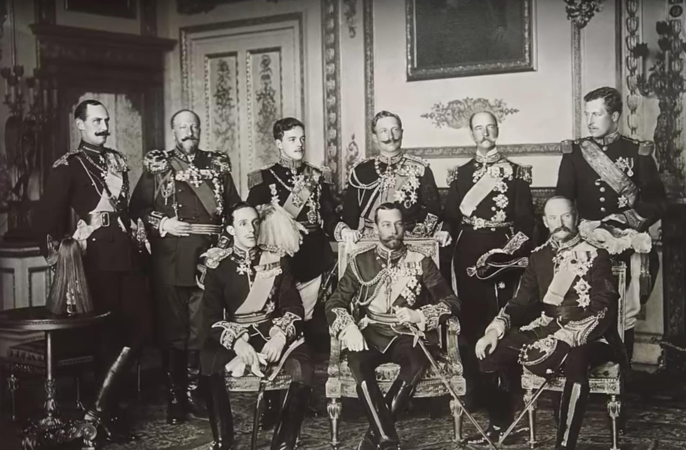 История одной фотографии: девять европейских королей на одном снимке, май 1910 года король, Георг, будут, сразу, через, монархов, Болгарии, девяти, Меньше, Греческий, смещены, четверо, будущемИз, ближайшем, Эдуарда, самом, знают, короля, английского, последний