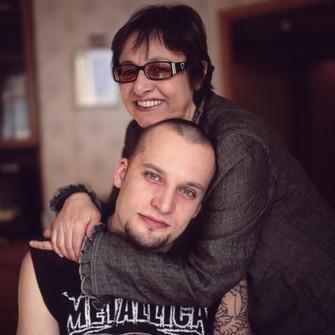 Музыкант Павел Филиппенко (сын Александра Филиппенко) с мамой Натальей Михайловной