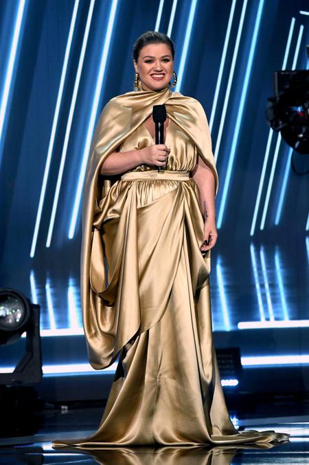 """""""Нас никогда не сломать"""": Джон Ледженд посвятил Крисси Тейген песню после пережитого ими выкидыша Звезды,Звездные пары"""