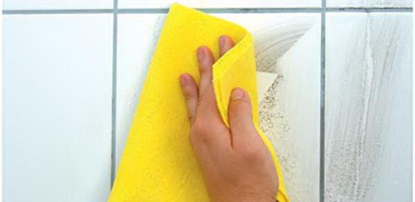 Чем смыть затирку с плитки после ремонта