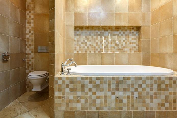 ниша из мозаики в интерьере ванной