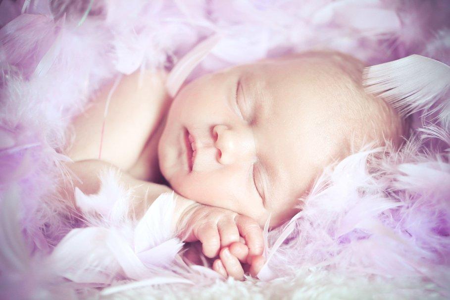 10 удивительных малышей, избежавших смерти в невероятных ситуациях
