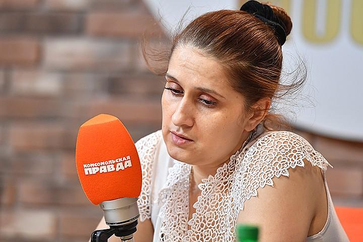 Мать трех сестер Хачатурян, убивших отца: Михаил вывозил младшую дочь в лес, привязывал к дереву и угрожал ножом
