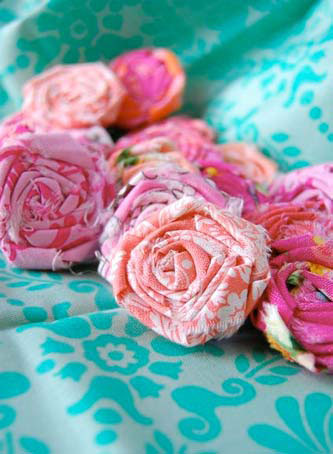 Цветы из ткани своими руками…