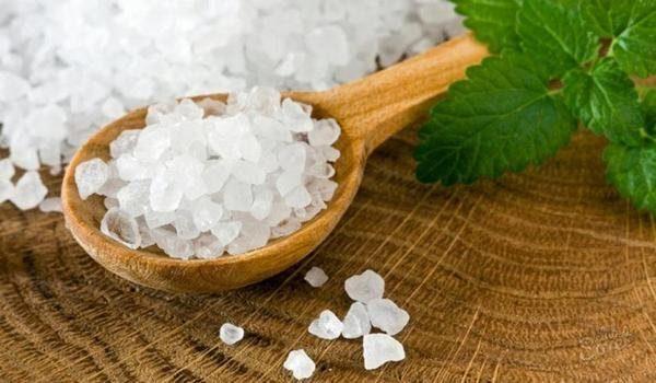 Как соль от всех бед и напастей спасает?