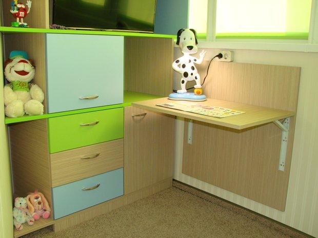 Лоджию превратили в детскую комнату.