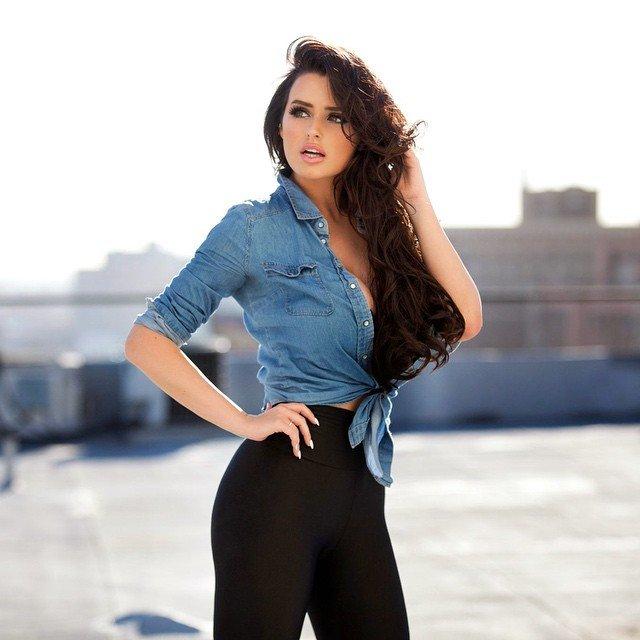 27-летняя модель зарабатывает почти миллион долларов в год своими фото в сети заморские звезды,красота,модельный бизнес,развлечение,шоу,шоубиz,шоубиз
