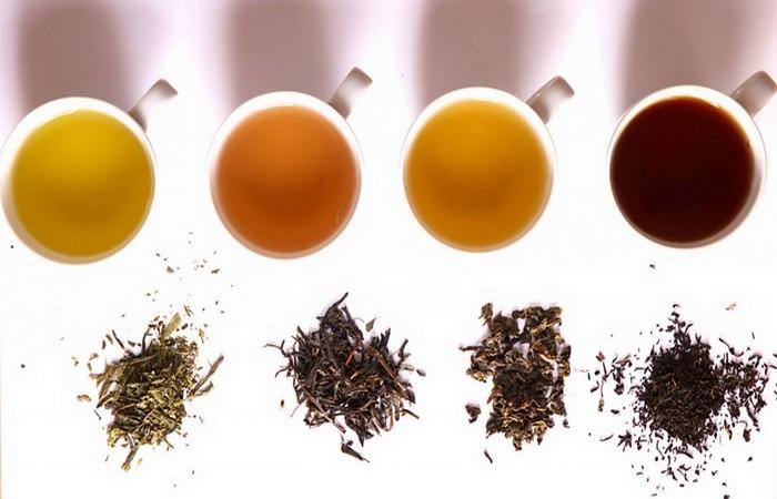 Чай сделает волосы блестящими и менее жесткими.