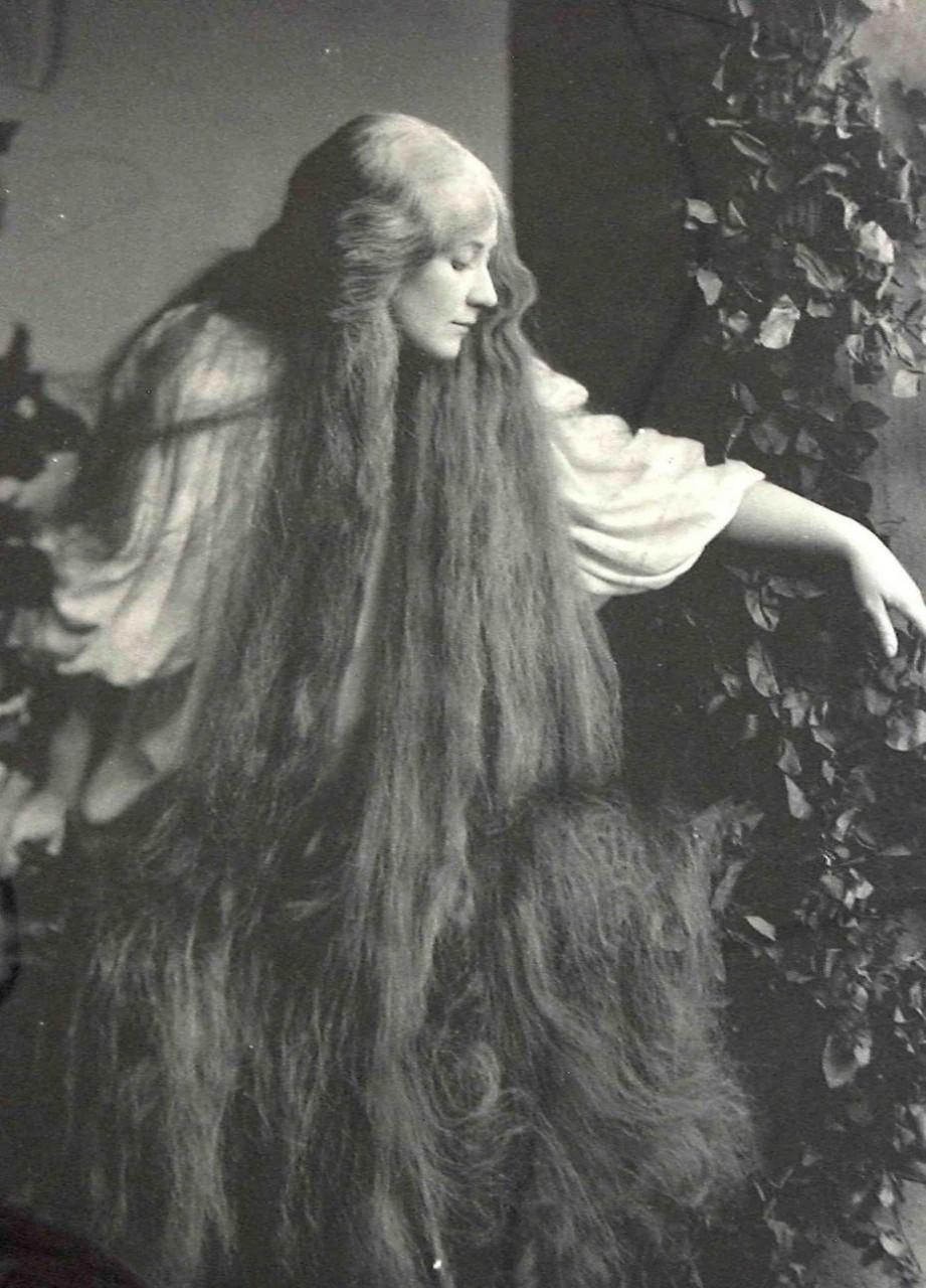 Чарующее обаяние  - фото роскошных длинноволосых красавиц викторинской эпохи
