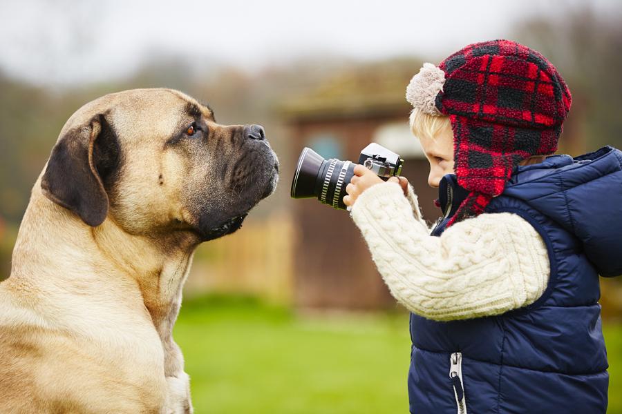 35 очаровательных юных фотографов