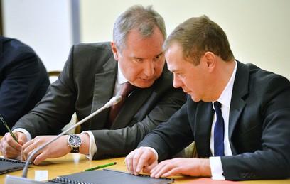 """Медведев потребовал наказать виновных в нештатном пуске """"Союза"""""""
