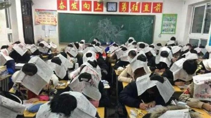 Странные традиции в школах разных стран