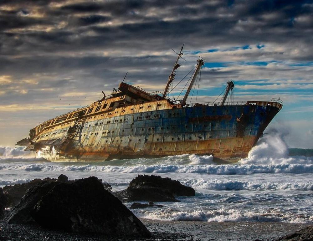 20-ships-which-were-forgotten-by-humans-artnaz-com-15