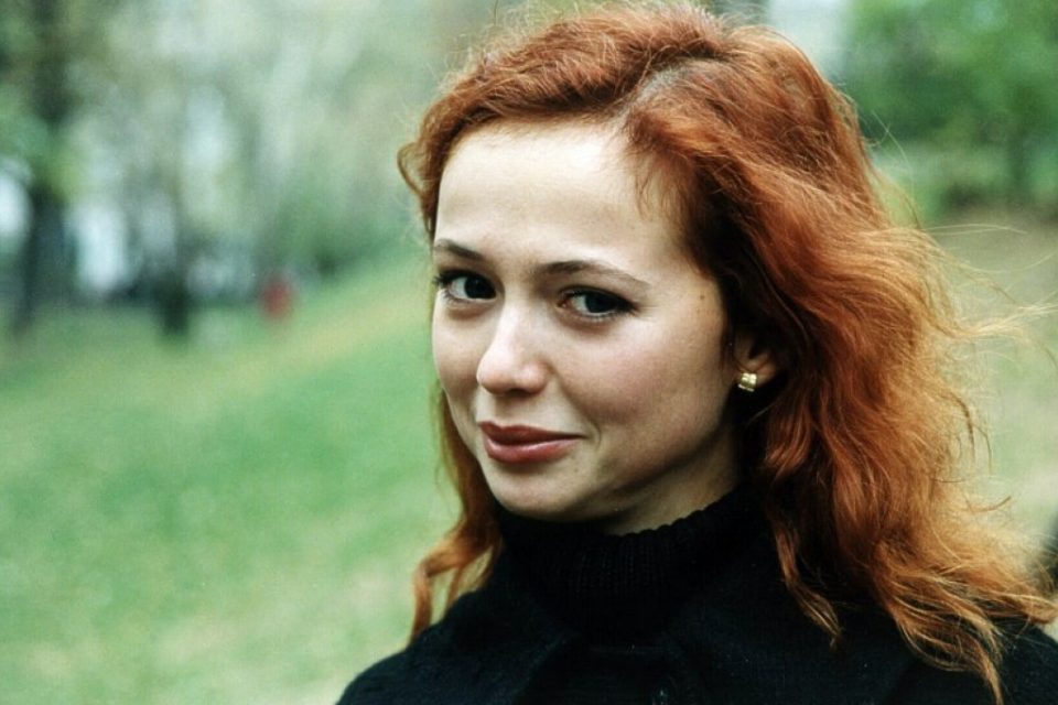 42-летняя Захарова восхитила фигурой в купальнике — «Нет слов, как все идеально»