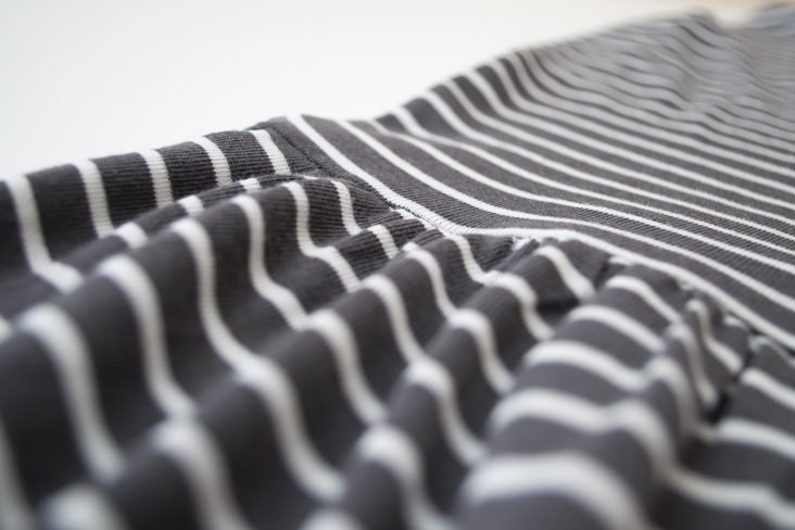 Делаем идеальные сборки на ткани с помощью зубной нити