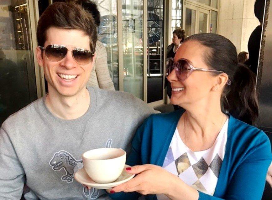 Не боится доверить теще внука: Екатерина Стриженова призналась зятю в любви