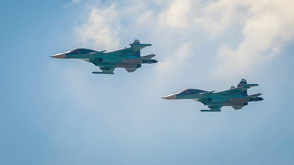 Два Су-34 столкнулись в небе…