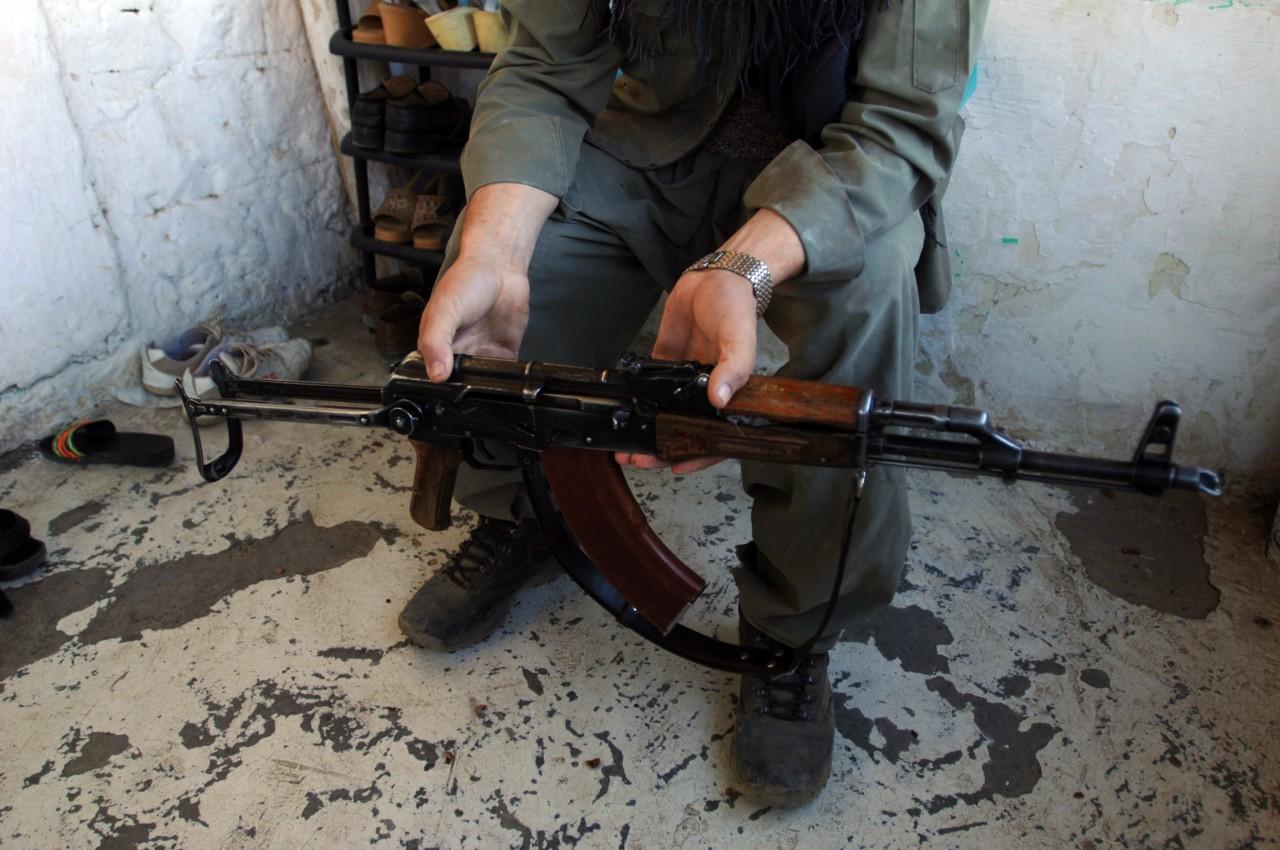 Новый рекорд «самоубийц» украинской армии: 16 выстрелов в голову из «Калаша»