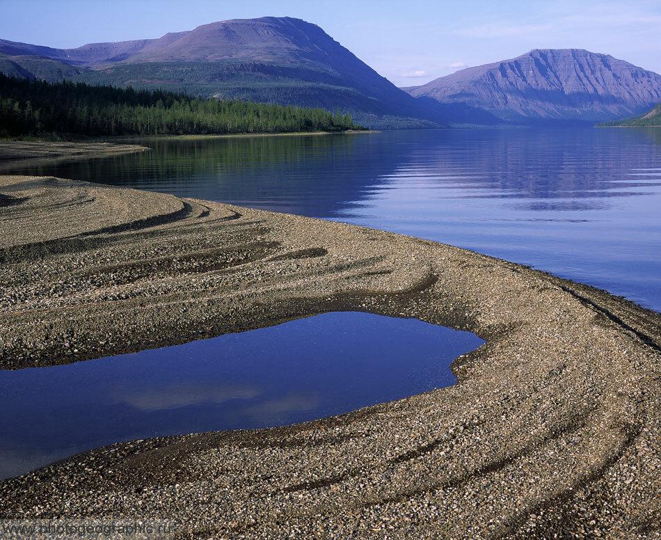 11. Если прогуляться по берегу в северо-восточную сторону, то можно встретить вот такие прибрежные косы.