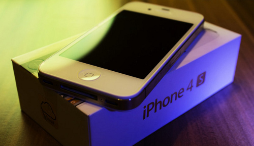 Пользователи iPhone 4S жалуются на мистический сбой звука
