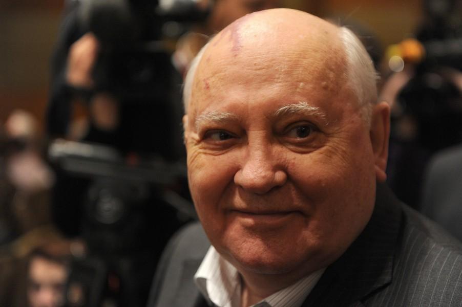 Горбачев cбежал из России