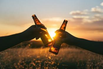 Ученые выявили, что любителям алкоголя грозит раннее слабоумие