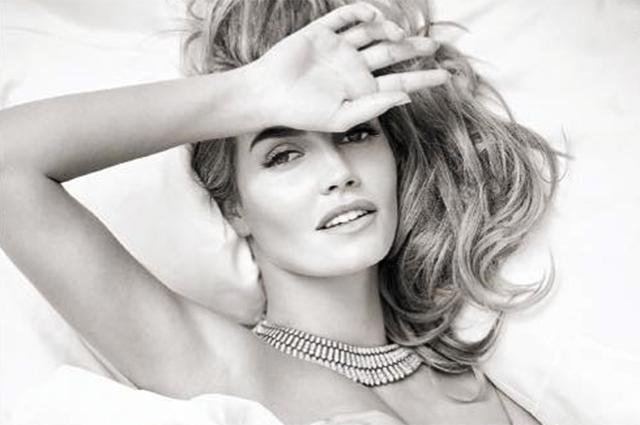 Роскошно и нежно: Китти Спенсер снялась в фотосессии для Vogue