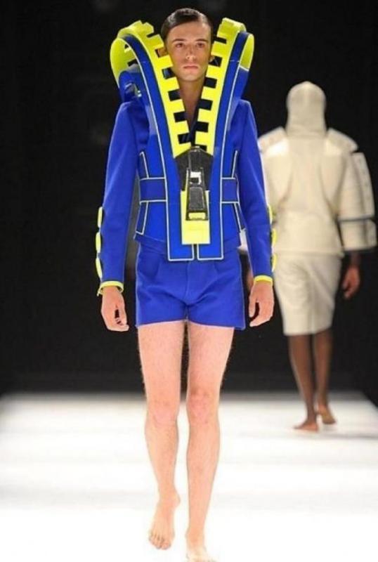 2f3c1f6d9 Мужская мода: 25 раз, когда дизайнеры откровенно перестарались веселые  картинки