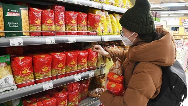 """В правительстве ответили на сообщения о """"скачке"""" цен на продукты в России"""