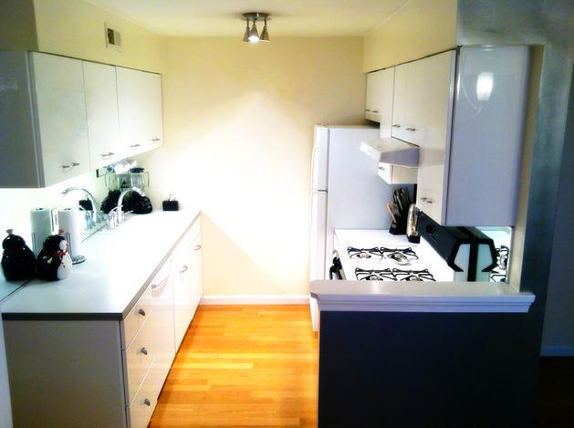 Кухня в цветах: черный, серый, светло-серый, белый. Кухня в стиле скандинавский стиль.