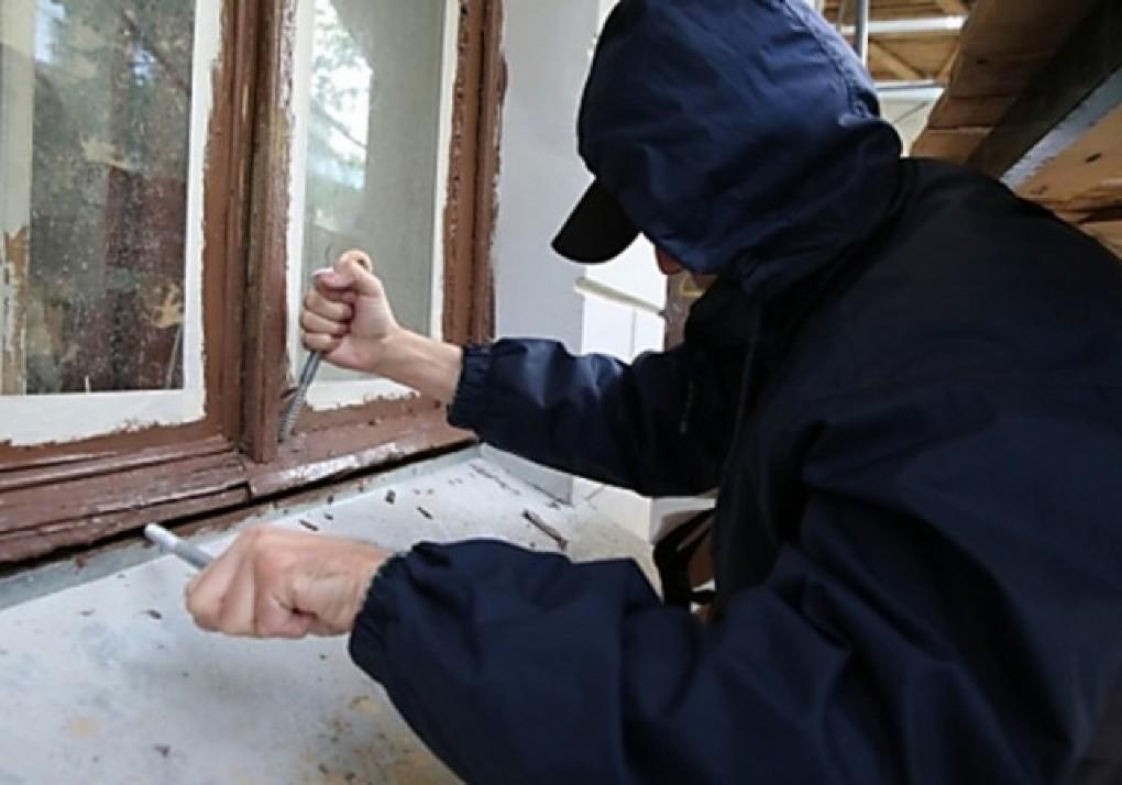 5 признаков, что за вашей квартирой следят воры-домушники безопасность