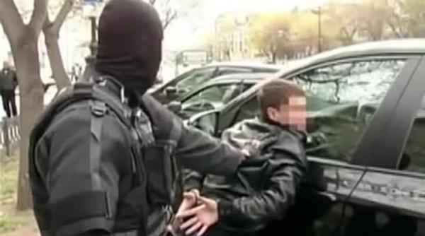 """И никаких """"бандитских 1990-х""""! ОМОН берет ситуацию под контроль, поскольку передела собственности СССР нет."""