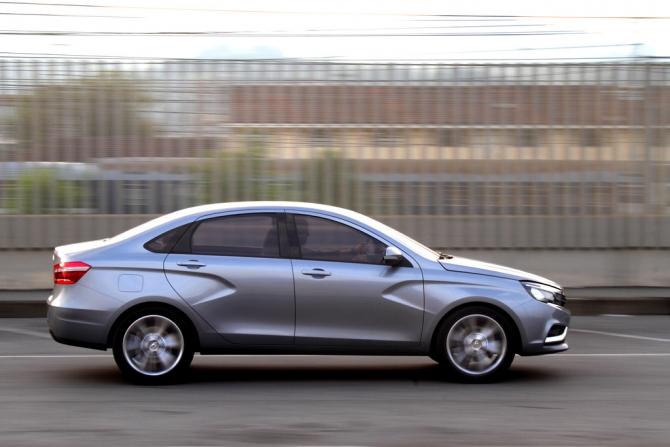 АВТОВАЗ назвал предварительную цену Lada Vesta