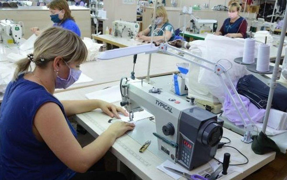 В Шахтах два предприятия займутся пошивом защитных масок