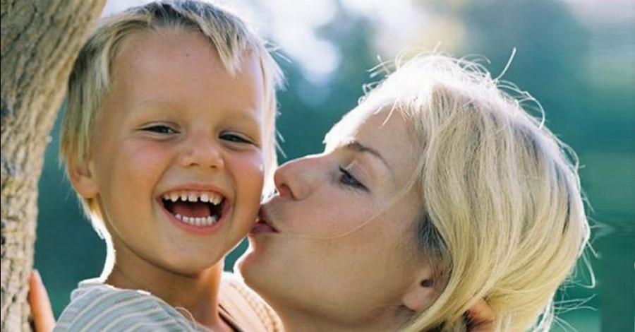 Однажды отец одноклассника моего сына сказал мне : «У меня проблемы. Возьмите моего ребенка на время к себе». Сейчас ему уже 19 лет