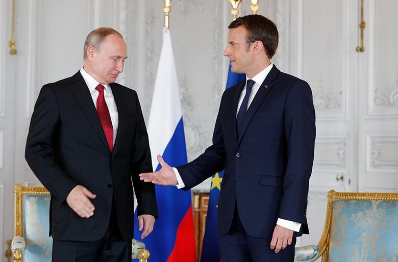 Обмен пленными между Киевом и Москвой, как итог беседы Путина и Макрона новости,события,новости,политика