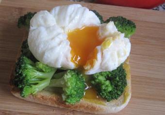 Учимся готовить яйца в мешочек