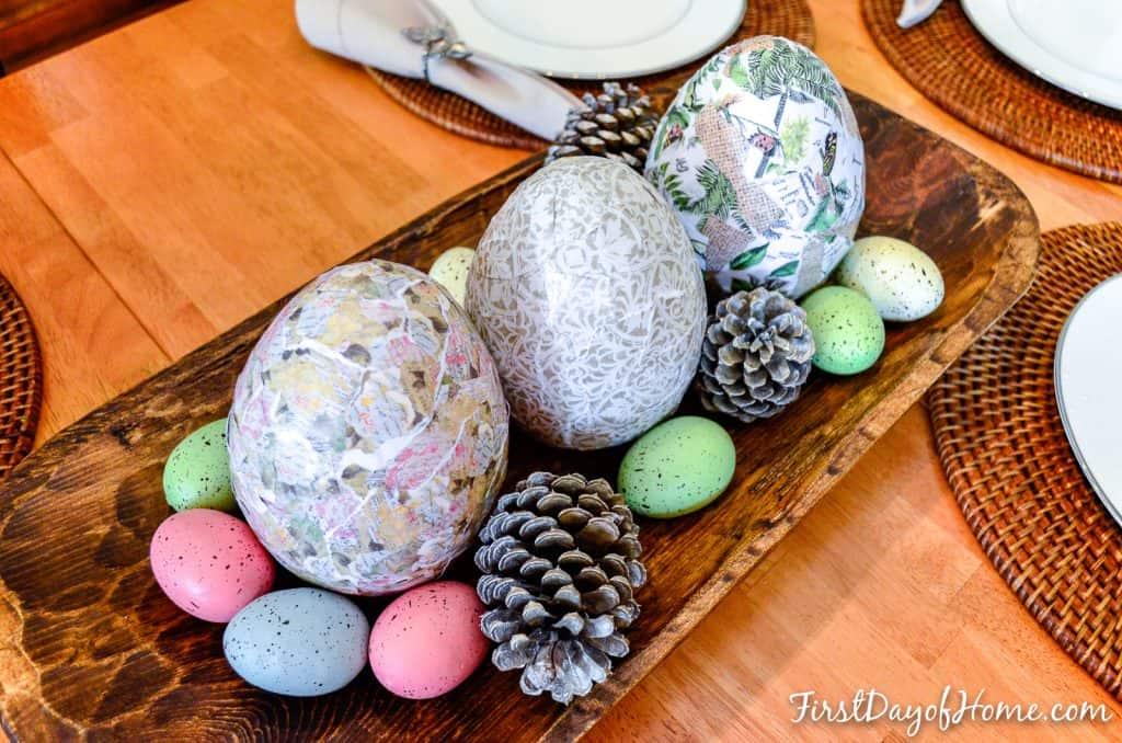 Чтобы покрасить яйца, нужны только крахмал и 3 салфетки