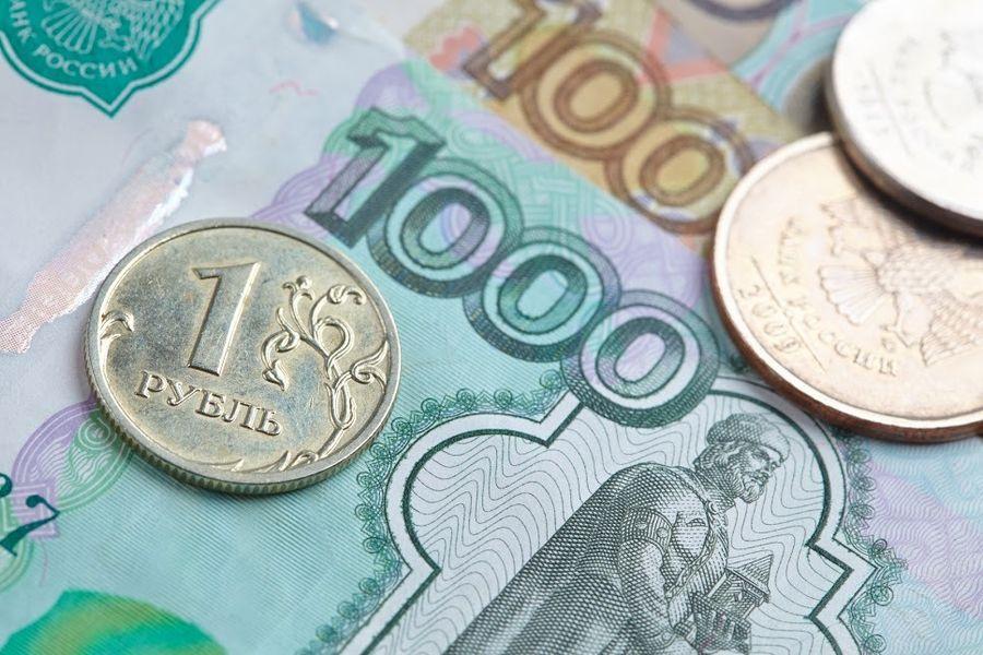 Рубль ослаб в ответ на повышение ставки валютных аукционов