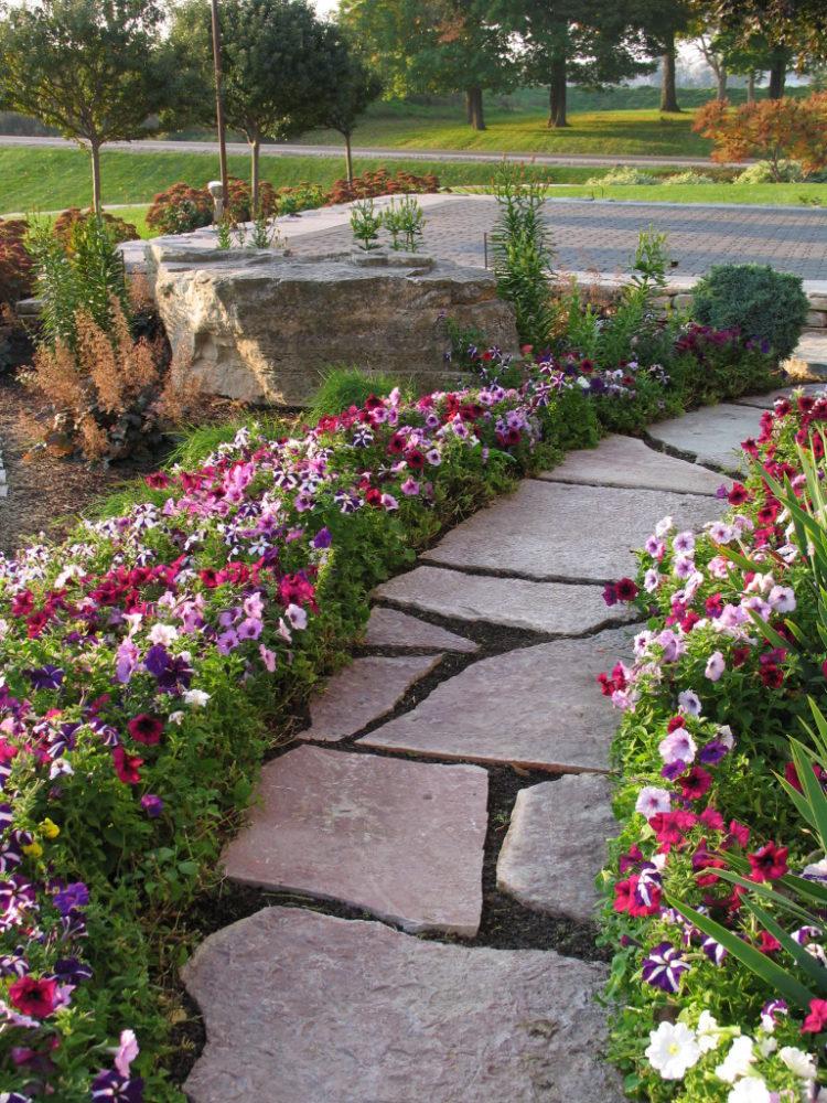 вторым дорожка из цветов фото планка ровная
